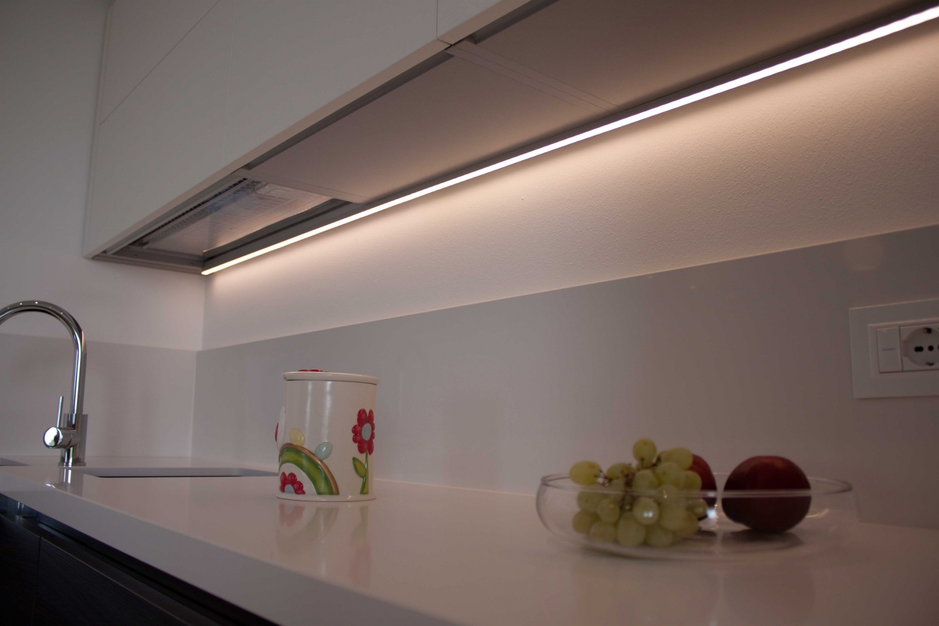 Awesome Led Sottopensili Cucina Contemporary - Skilifts.us ...