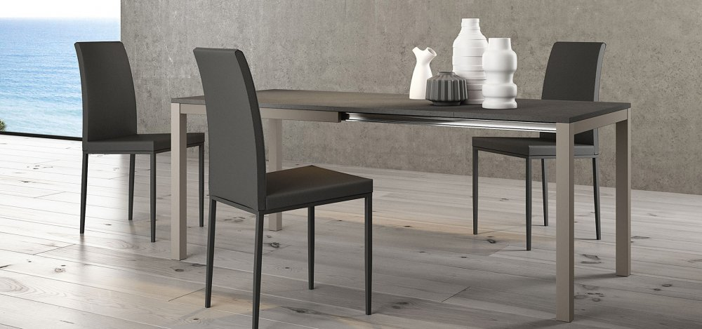 Matrix tavoli tavoli e sedie cucine componibili for Tavoli e sedie design offerte